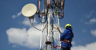 Travail sur Toiture, Pylone sans suspension